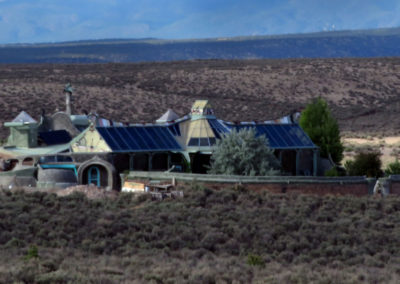 off-grid home in the Arizona desert