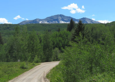 dirt-road-to-mountain